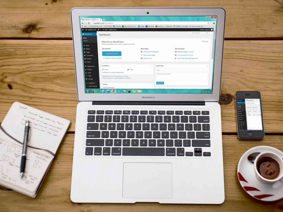 4 VORTEILE EINES CONTENT MANAGEMENT SYSTEMS IM WEBDESIGN